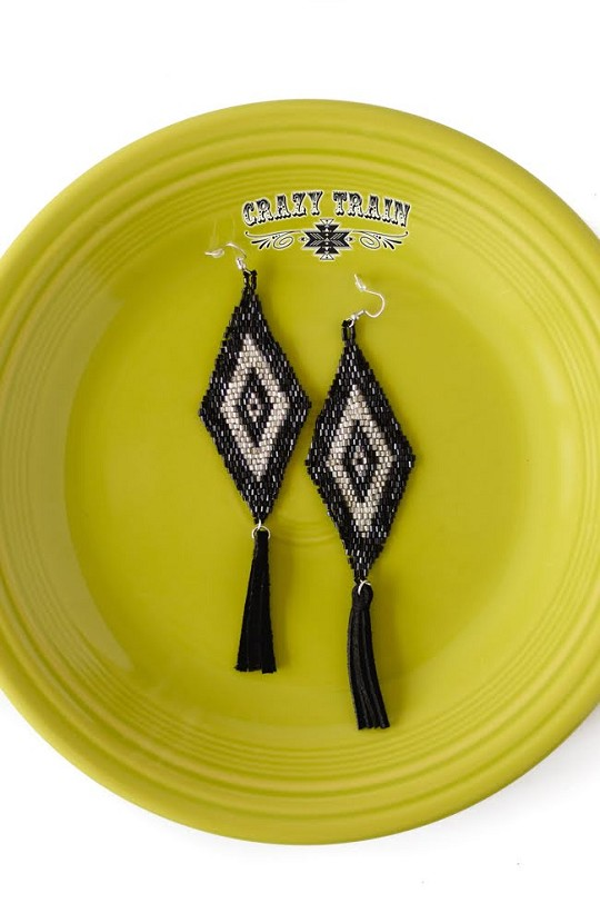 BROKEN BOW EARRINGS ** BLACK / SILVER